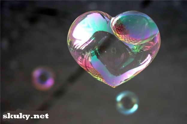 мыльный шарик сердечком