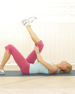 Растягиваем подколенные мышцы - А