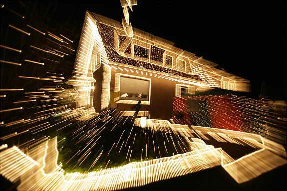 Сумасшедший светящийся дом, Германия