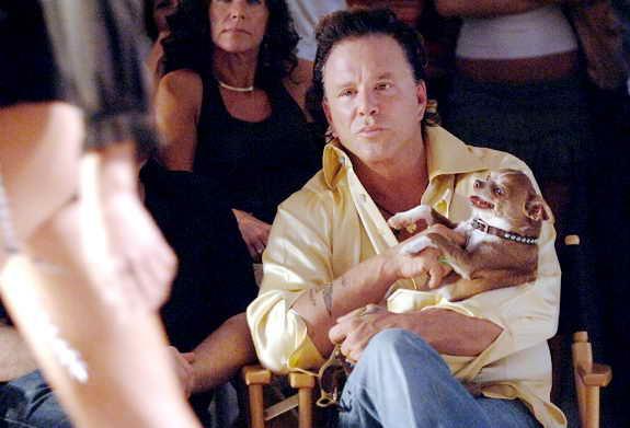 Мики Рурк со своим чихуахуа Локи