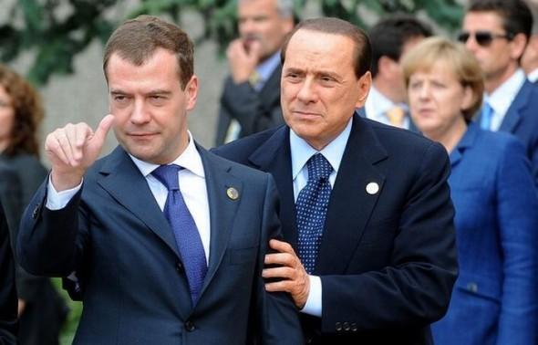 Саммит G8. Медведев лыко не вяжет