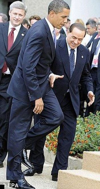 Саммит G8. Обама и Берлускони второй кадр