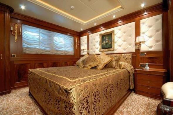 Крутая яхта