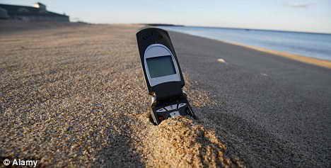 Как просушить мокрый мобильный телефон