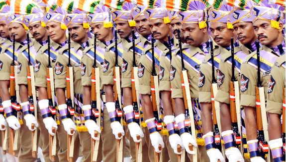 iИндийская полиция выстроилась на параде в честь Дня Независимости Индии