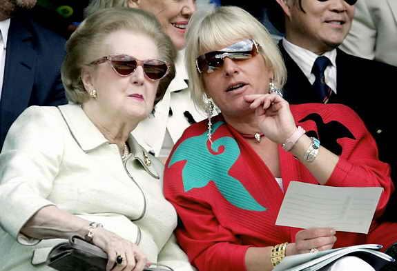 Маргарет Тэтчер с дочерью-близняшкой