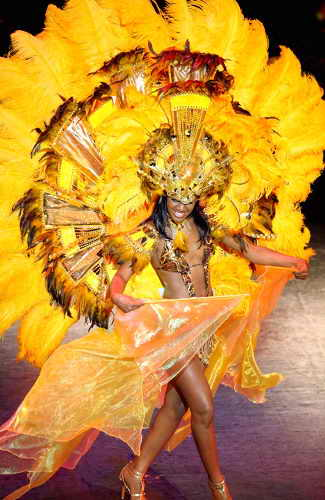 Мисс Багамы Киара Шерман готовится к Мисс Вселенная 2009