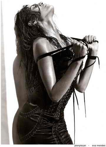 Eva Mendes - шестая поза