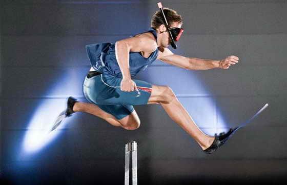 Быстрее всех пробежал 100 метров в ластах Кристофер Ирмшер