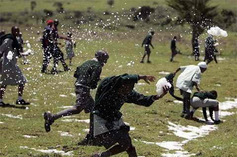 В Кении впервые выпал снег