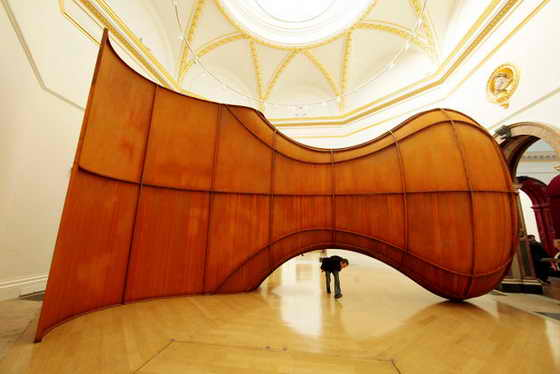 """Скульптура """"Улей"""" Аниши Капура стала самой популярной в галерее Королевской Академии в Лондоне"""