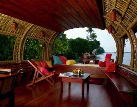 Роскошный индийский дом на воде Керала
