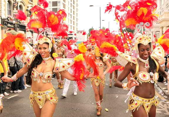 уличный карнавал Ноттинг Хилл