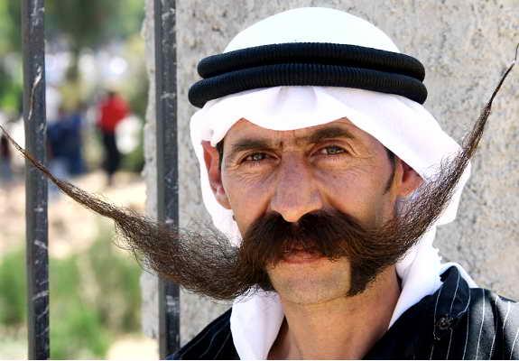 Длинноусый сириец