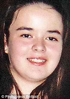 Каролина, самая старшая девочка в семье, а также ее мать, братья и сестры погибли в пожаре, устроенном ее отцом