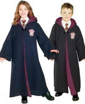 """Как среди детей, так и среди взрослых, необыкновенно популярными будут персонажи книги и фильма """"Гарри Поттер"""""""
