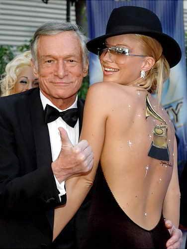 Зое Грегори Пол - одна из девушек Хью Хефнера и звезд Playboy в 2003 году