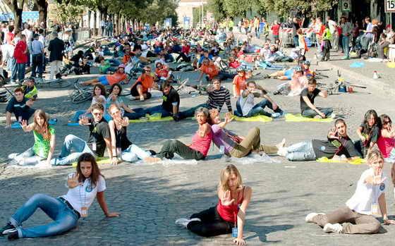 """В Риме прошла демонстрация """"Io Dissuado"""" (Я против) против смертности во время несчастных случаев в ДТП"""