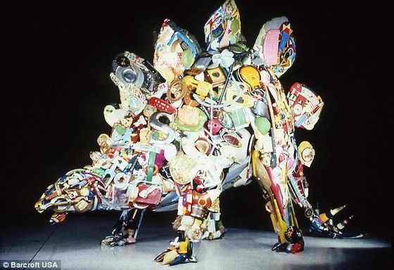 Невероятные скульптуры из мусора