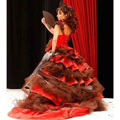 Еще один шоколадный шедевр, представленный французской актрисой Мари Фугэн