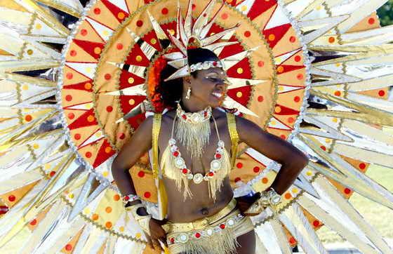 """В Майами прошел карнавал, посвященный карибской культуре Miami-Broward One Carnival. На фото участница Gayelle Felix из танцевального коллектива """"Fun Generation"""""""