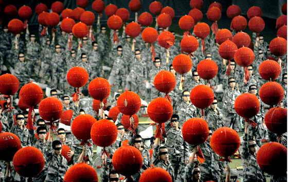 В Пекине, не площади Тиананмен в Китае, прошло грандиозное празднование 60-летия основания Китайской Народной Республики