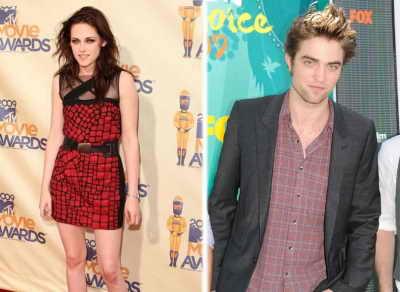 """Затмение (""""The Twilight Saga: Eclipse"""") - 30 июня 2010 года - 3-й фильм саги """"Сумерки"""", в котором Белла (Кристен Стюарт) выбирает между вампиром Эдвардом и оборотнем Иакова"""