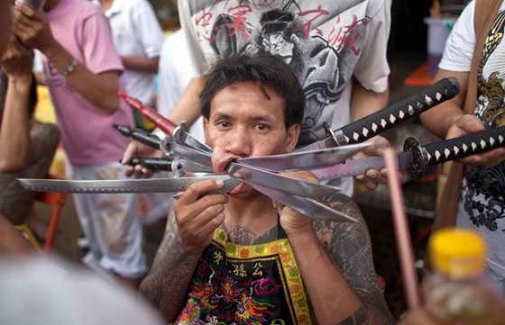 Экстремальный пирсенг Пхукете, Тайланд.