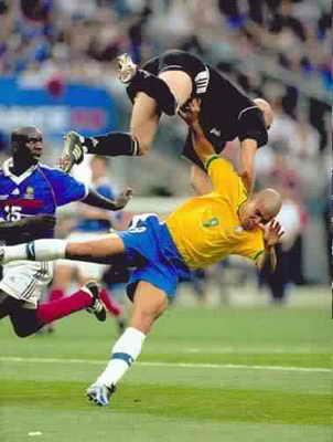Футбол всегда радует не только приятными, но и смешными моментами