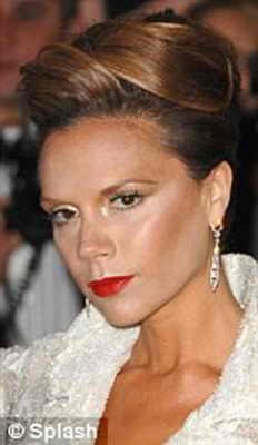 2008: элегантный шиньон Виктории Бэкхем