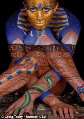 Сфинкс - боди арт в египетском стиле