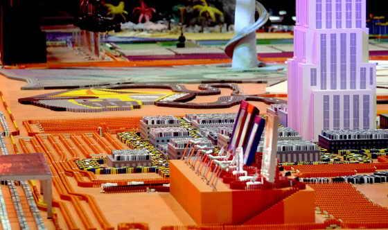 """Целое поле из доминона выставке ЦМТ Экспопарк в Леувардене 13 ноября 2009 года. Новый мировой рекорд был установлен чуть позже13 ноября на телевизионном шоу """"День домино"""", когд упала конструкция из 4 491 863 домино"""