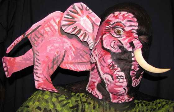 Розовый слон... Порой на картинах Джеймса Куна ключем к разгадке служит только один глаз художника