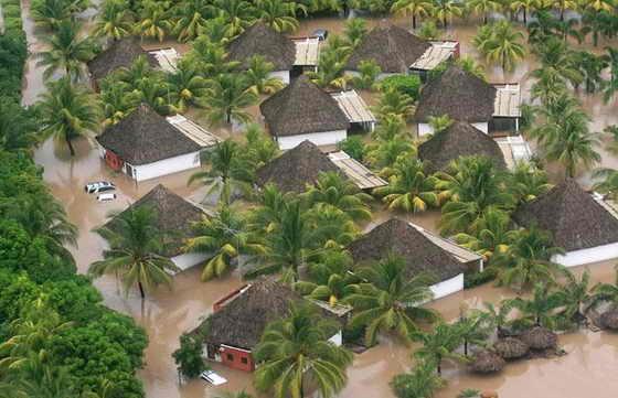 Фото с вертолета: весь Сальвадор затоплен