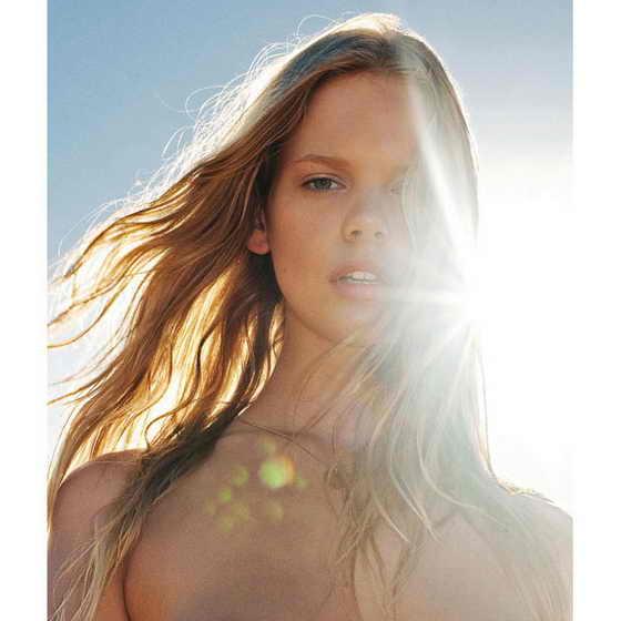 Голландская модель Марлос Хорст появится в календаре Pirelli на фото для июля 2010