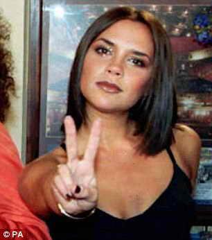 1997 год: коронное классическое каре Виктории Бэкхем, когда она еще была в составе поп группы Spice Girls