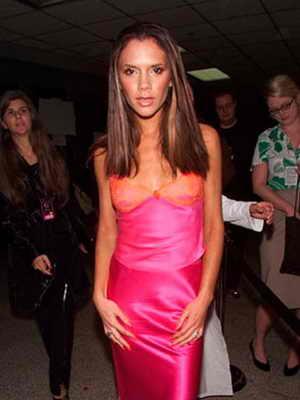 2000 год: впервые Виктория Бэкхем появилась с длинными волосами на публике