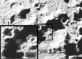 НАСА обнаружила на Луне воду