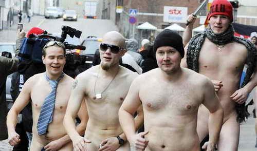 Нудистский марафон, организованный RadioRock в Хельсинки, Финляндия