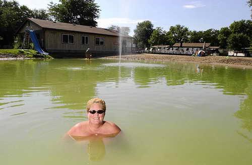 Курорт Blue Lake Resort в городе Эри, штат Иллинойс