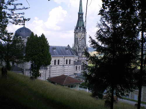 Базилика в Ле-Буа-Шеню Домреми