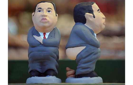 Даже заядлого коммуниста Президента Венесуэлы Уго Чавеса не пожалели испанцы, изобразив его испражняющимся с голой попой