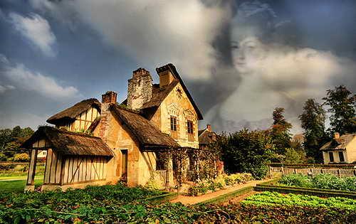 Призрак Марии Антуанетты бродит по садам Версальского дворца
