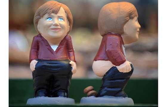 Канцлер Германии Ангела Меркель тоже не прочь оголить знаменитую попку