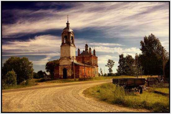 Церковь рядом с г. Переславль, Россия