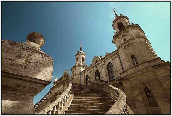 Церковь названа в честь Владимирской иконы Божией Матери, Россия