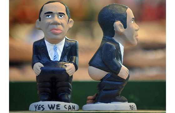 """Президент США Барак Обама ходит в туалет с его коронной фразой: """"Yes we can"""" (""""Да, мы можем"""")"""