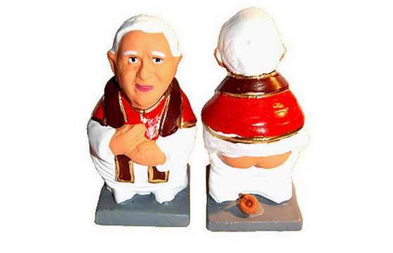Папа Римский, хоть и праведный католик, но тоже подвластен мирским делам и заботам: также ходит в туалет