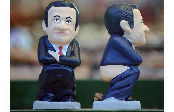 Президент Франции Николя Саркози тоже не прочь сходить в туалет по-крупному, а не деликатно по-французски