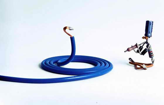 """Маг со змеей в артистичной сценке """"Зачарована и околдована"""""""